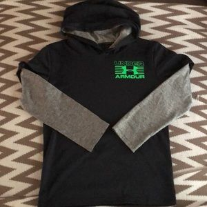 Like new Under Armour boy's hooded shirt in size 7